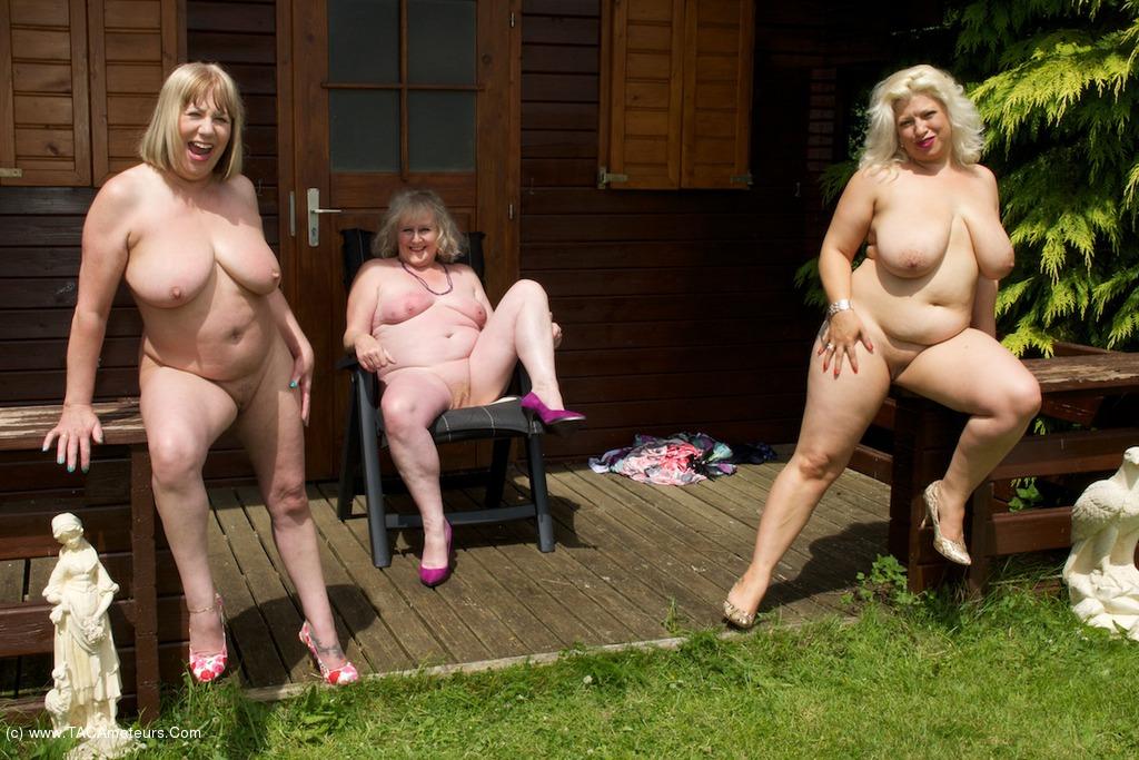 naked women fucking summer knight