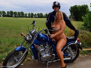 Nude Chrissy - Biker Girl Picture Gallery