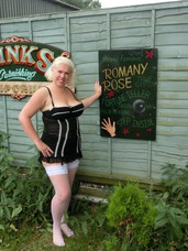 Barby in the caravan Come in and see me getting all excited in the traditional Gypsy caravan.. Milf, big tits, united kingdom, cougar, high heels, lingerie, stockings, nylons, legs, feet/shoes, exhibitionist, flashing, dogging