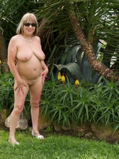 In the garden Hi Guys, Heres The First Shoot of my Holiday
