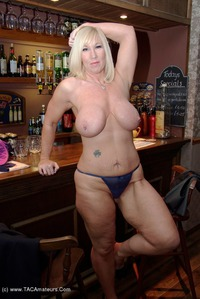 melody - The Bar Pt1 Free Pic 3