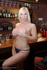 melody - The Bar Pt1 Free Pic 4