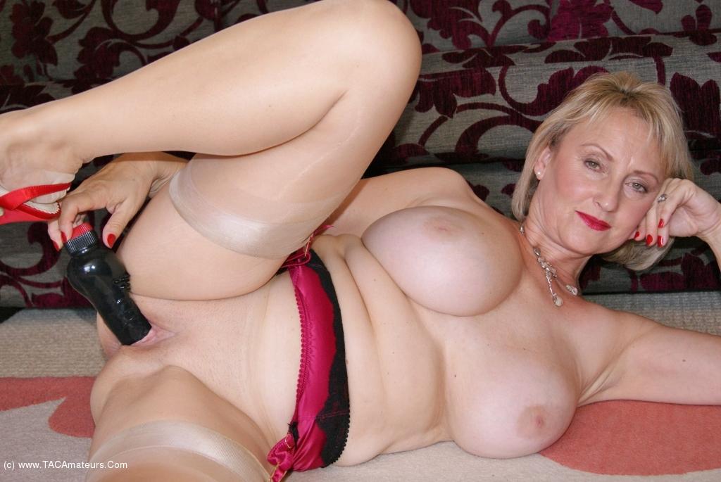 nude body paint ladies
