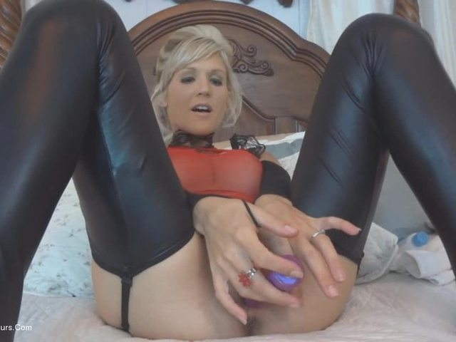 JoleneDevil - Two hole sex toys and cream pie
