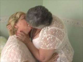 Grandma Libby - Lesbe Friends Pt1 HD Video