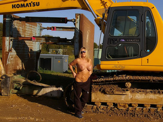 Nude Chrissy - The Excavator Picture Gallery
