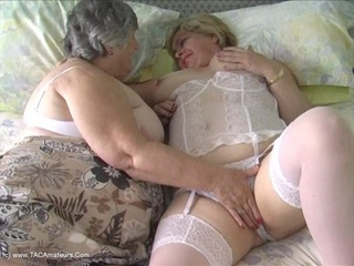 Grandma Libby - Lesbe Friends Pt2 HD Video