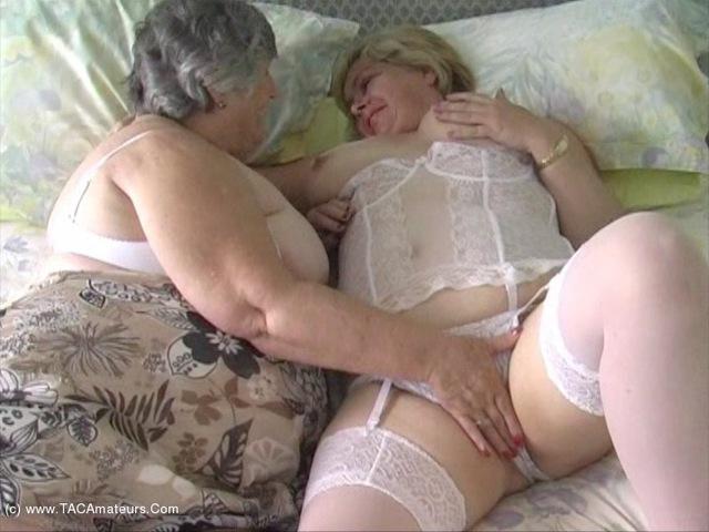 GrandmaLibby - Lesbe Friends Pt2