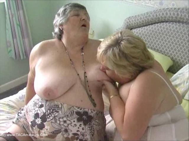 GrandmaLibby - Lesbe Friends Pt3
