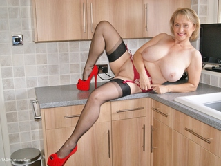 Sugarbabe - Spunk In The Kitchen HD Video