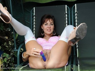 Georgie - Dildo On The Garden Swing Picture Gallery