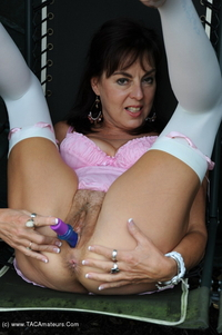 georgie - Dildo On The Garden Swing Free Pic 2