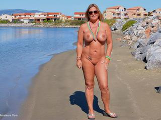 Nude Chrissy - Easter  Nudist Beach Picture Gallery