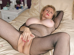 Sugarbabe - Cream Pied HD Video