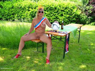 Nude Chrissy - Football WM2014 Picture Gallery