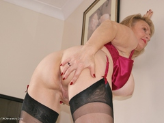 Sugarbabe - Cock & Spunk HD Video