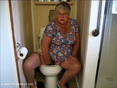 GirdleGoddess - Three Pee's Video