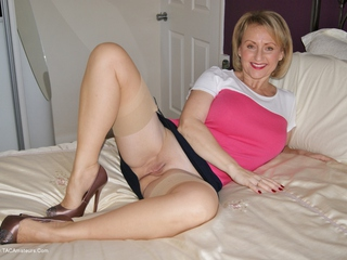 Sugarbabe - Cock Hungry Picture Gallery