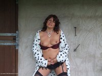sandy - See whats under my spotted dressing gown Free Pic 1