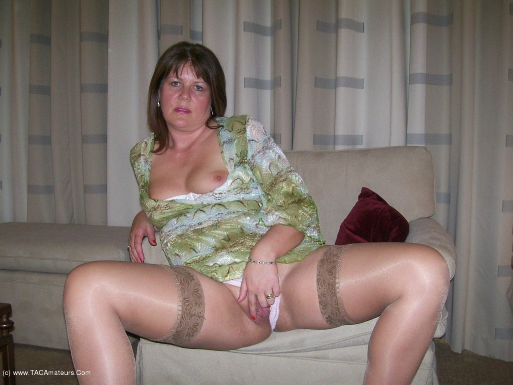 Bbw milf in high heels and stockings