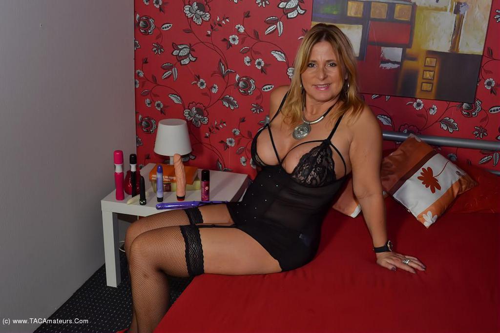 Nude Chrissy - Dildo Gallery video