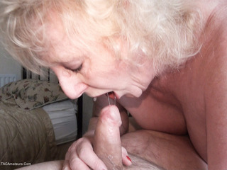 Claire Knight - Holiday Fuck Pt2 HD Video