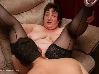Kinky Carol - Cum On My Big Tits Pt3 Picture Gallery