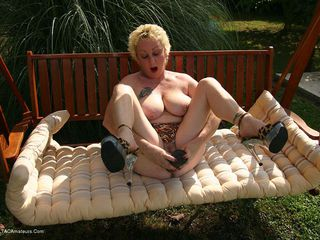 Mary Bitch - Outdoor Fun Picture Gallery