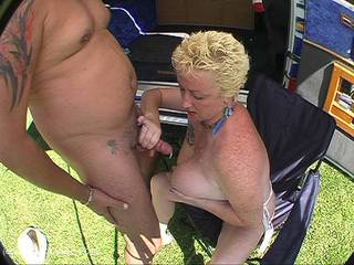 Mary Bitch - Sucking Cock In The Park Pt2 Video