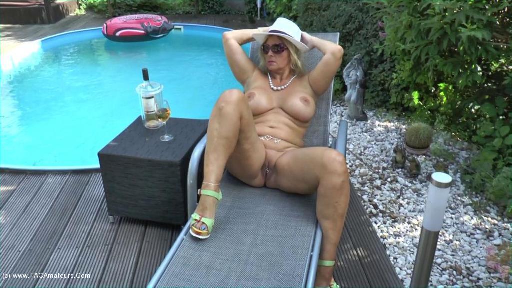 NudeChrissy - My Nudist Garden scene 2