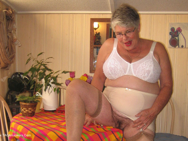 GirdleGoddess - Sweet  Horny