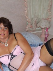 Pink stilettos Mature, milf, bbw/curvy, united kingdom, solo, striptease, lingerie, high heels, stockings