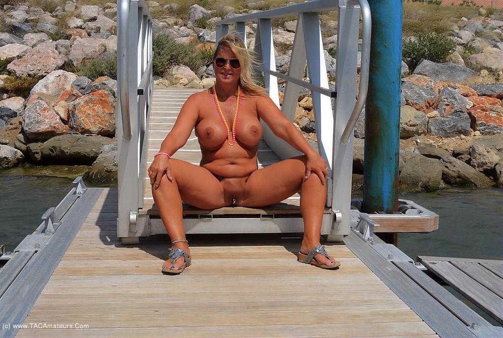 Apologise, Nudist holidays nude