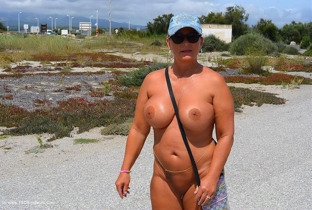 Mature milf with black cock