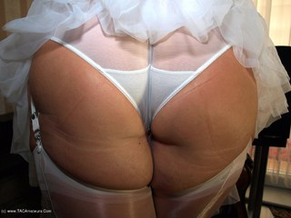Warm Sweet Honey - My Big Bum Picture Gallery