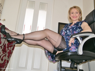 Sugarbabe - MILF Wank Picture Gallery