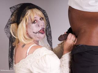 SpeedyBee - Zombie Bride Pt1 Picture Gallery