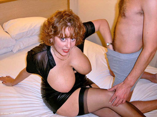 Curvy Claire - Hotel Fuck Picture Gallery