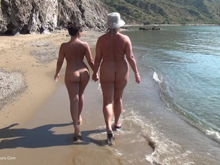 Nude Chrissy - Walking Naked On The Beach HD Video