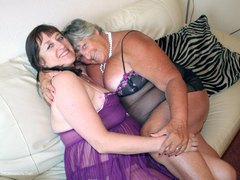 GrandmaLibby - Lesbo Purple & Black Photo Album