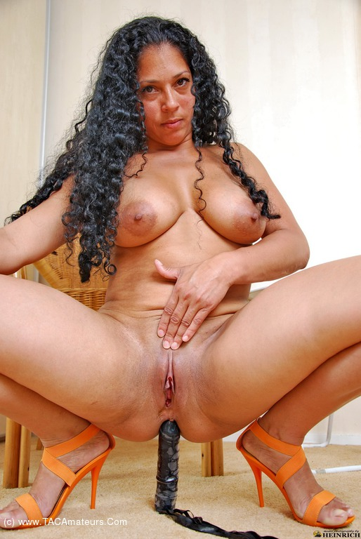Mature amatuer nude latina, mature black on black booty
