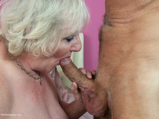 Claire Knight - Sunday Afternoon Fun Pt2 HD Video