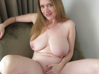Lily May - Naked Pussy Play Picture Gallery