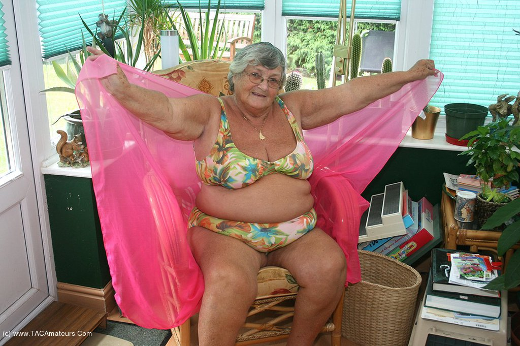 chubby naked Libby girls