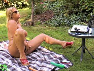 Nude Chrissy - Web Cam Sex In The Garden HD Video