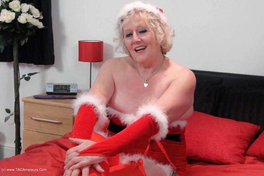 ClaireKnight - Mrs Santa's Xmas Surprise Pt1 scene 0