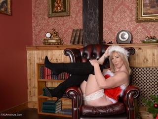 Melody - Xmas Corset Picture Gallery
