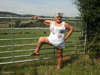 Picture Gallery from GrandmaLibby - Walk In The Countryside.