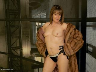 Pandora - Fur Coat Flashing Picture Gallery