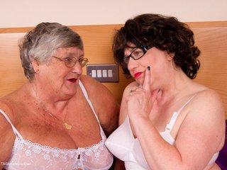 Grandma Libby - Lesbo Fun Picture Gallery